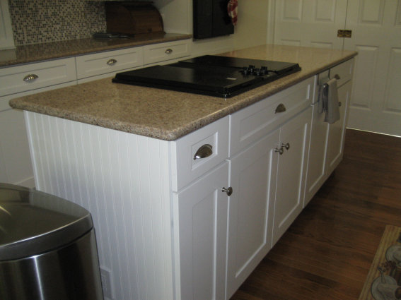 650F Maple Linen Finish With Bead Board Side Panels