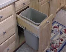 Single Trash Bin